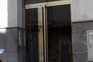 Puerta y portal comunitario en acero inoxidable 13