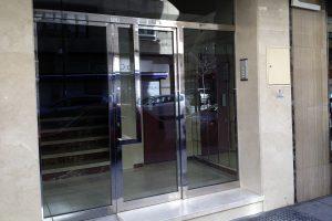 Puerta y portal comunitario en acero inoxidable 14