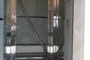 Puerta y portal comunitario en acero inoxidable 15