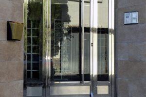Puerta y portal comunitario en acero inoxidable 20